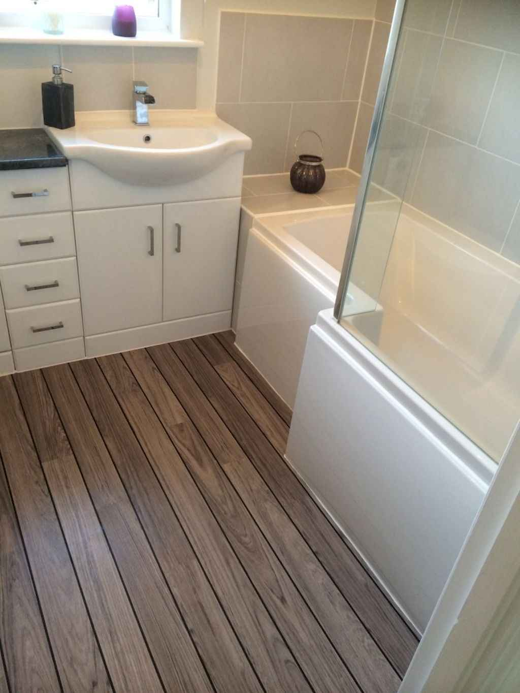 Cool small master bathroom remodel ideas on a budget 14 for Cool small bathroom designs