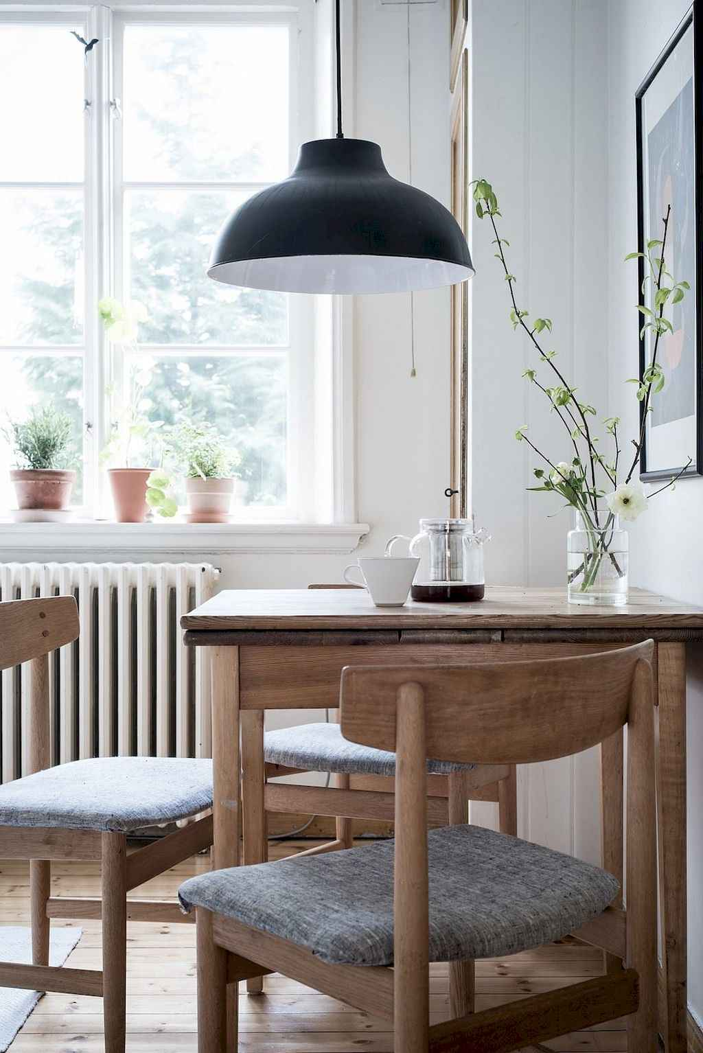 Small dining room table and chair ideas on a budget 44 for Dining room design ideas on a budget