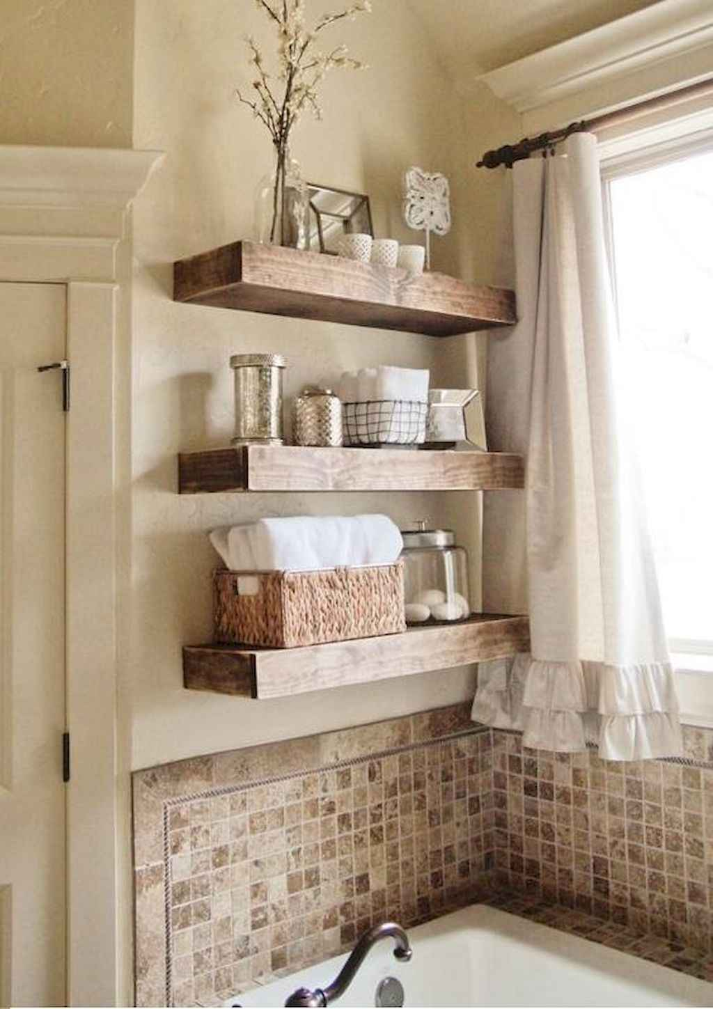 Affordable diy small space apartment storage ideas (44)