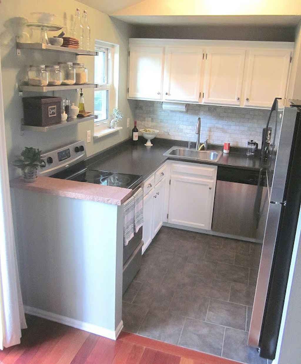 Clever tiny house with small kitchen designs 12 for Clever kitchen ideas