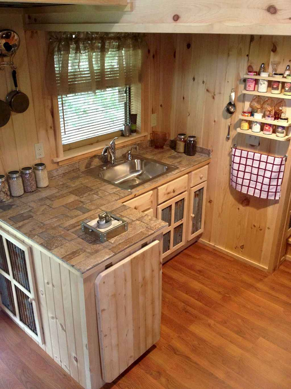 Clever tiny house with small kitchen designs 34 for Clever kitchen ideas