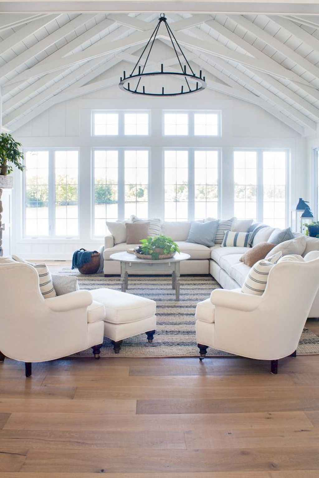Wonderful coastal living room design & decor ideas (30)