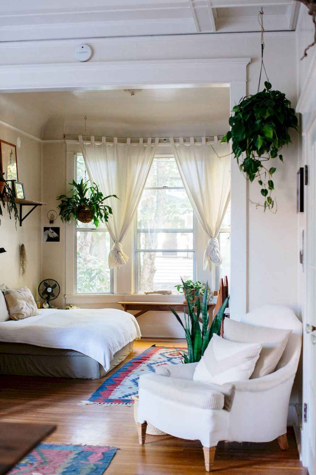 Small Apartment Studio Decorating Ideas On A Budget 23
