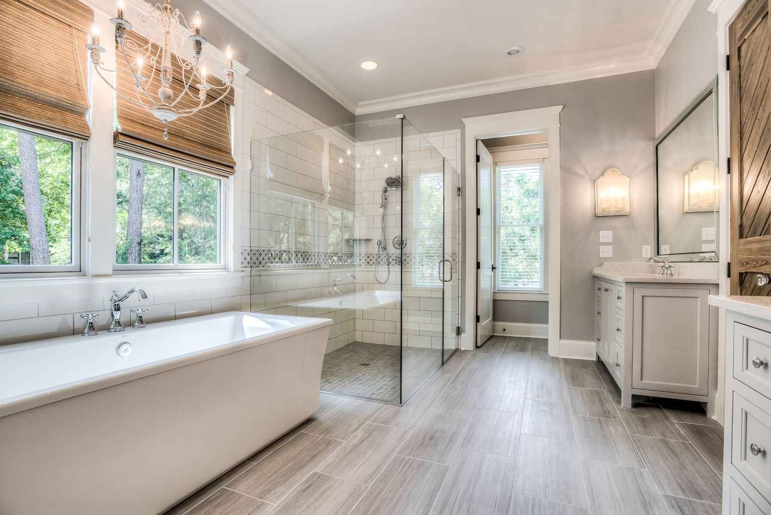 Rustic farmhouse master bathroom remodel ideas 63 for Master bathroom farmhouse