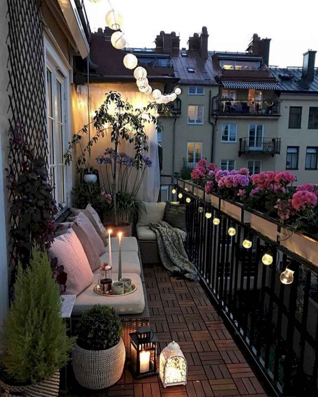 65 cozy apartment balcony decorating ideas homespecially for Cozy balcony ideas